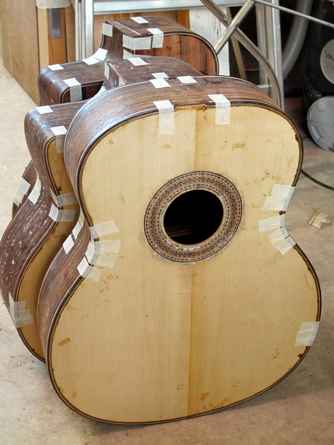 Atelier Favino - caisses de guitares en fabrication